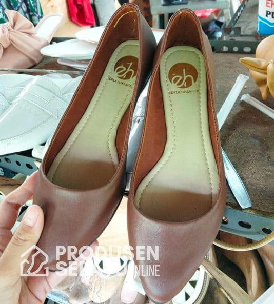 Flatshoes Kulit Asli Warna Coklat