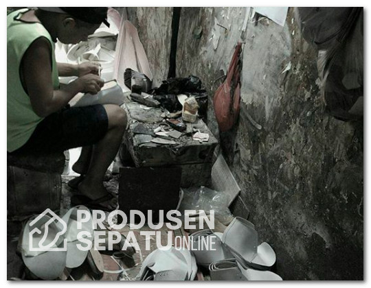 Penngrajin Sepatu Custom Bogor