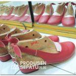 Proses Finishing Produksi Sepatu Wanita Lokal