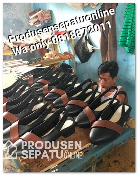 Proses Pembuatan Sepatu Kerja Wanita