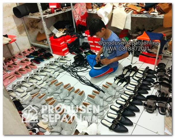 Proses finishing pabrik sepatu rumaha