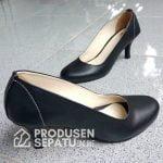 Sepatu Basic Pointed Heels Cantik Warna Hitam