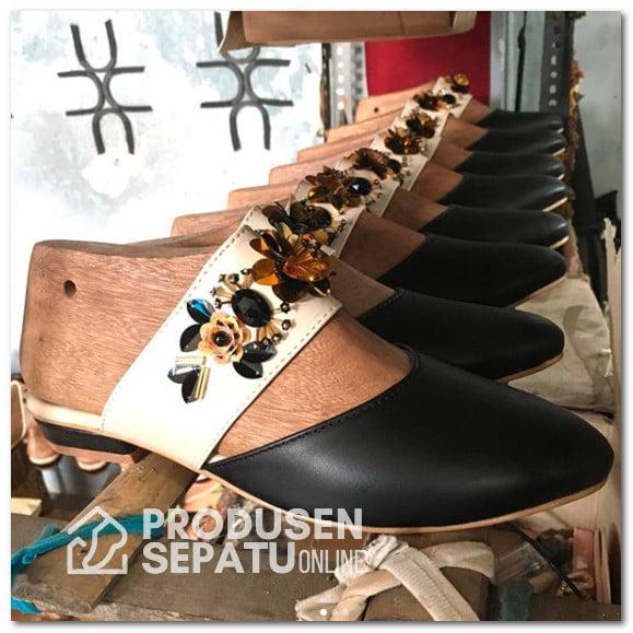 Sepatu Kerja Payet Wanita