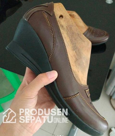 Sepatu Wedges Coklat Formil Untuk Kerja