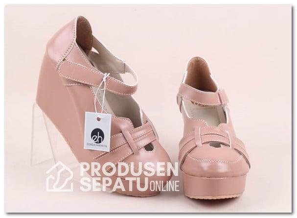Sepatu Wedges Coklat Krem Murah