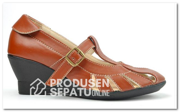 Sepatu Wedges Keren Warna Coklat Bahan Sintetis