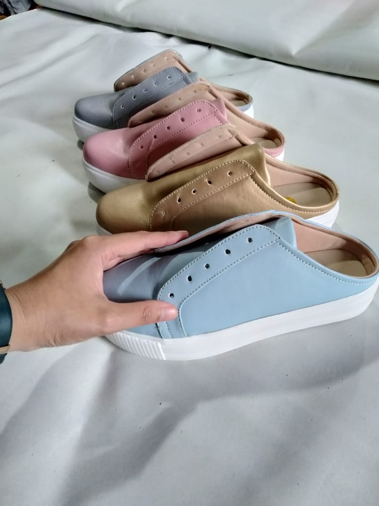 Custom Sepatu Merk Sendiri Sneakers