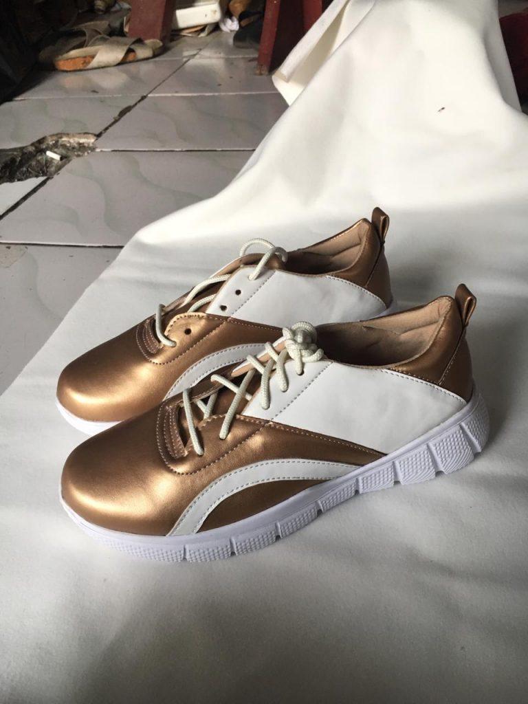 Custom Sepatu Wanita Merk Sendiri Keren