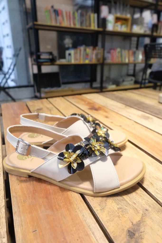 Pesan Sepatu Desain Sendiri