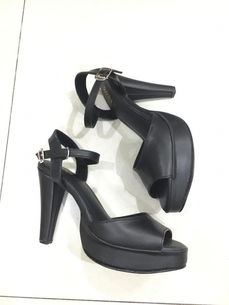 Produsen Sepatu Hak Tinggi Wanita
