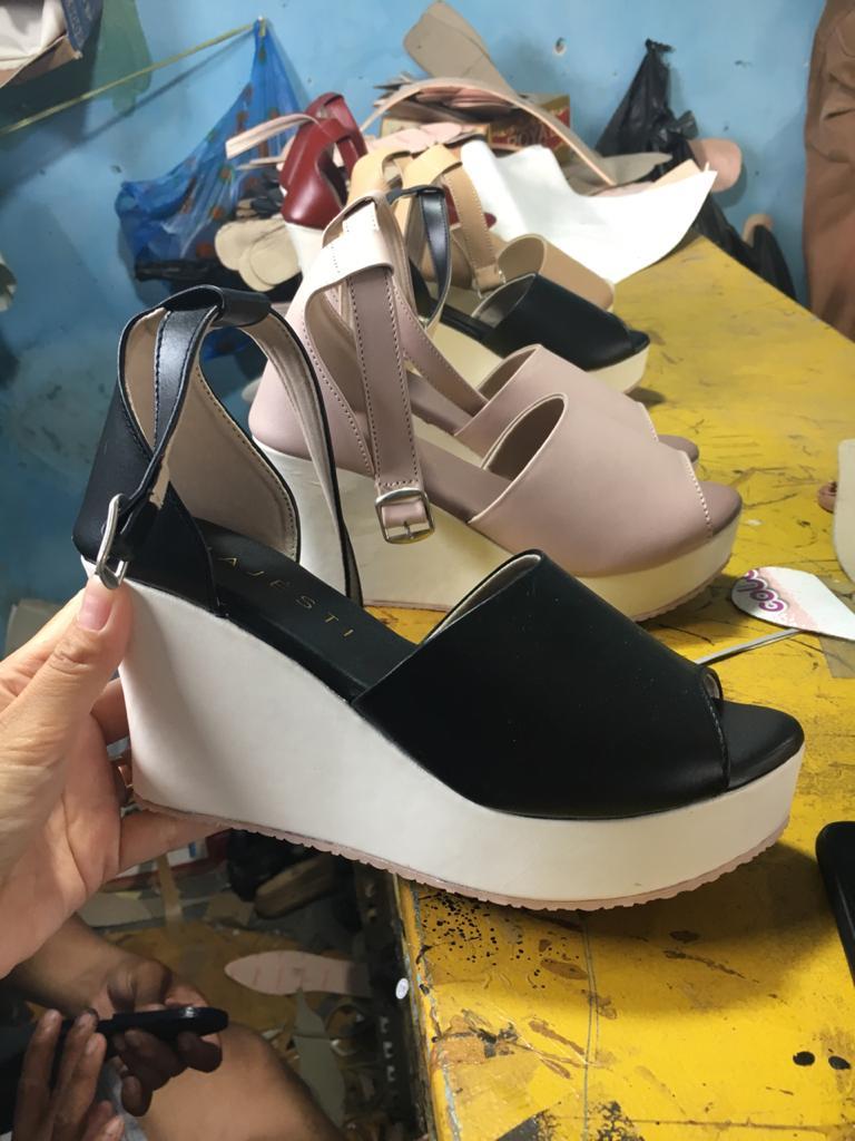 Sepatu Hak Wedges