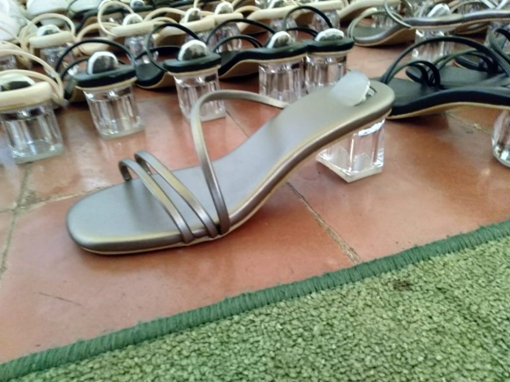 Sandal Heels Glass Cantik